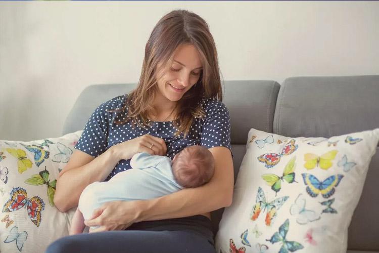 hidratación durante la lactancia y el embarazo